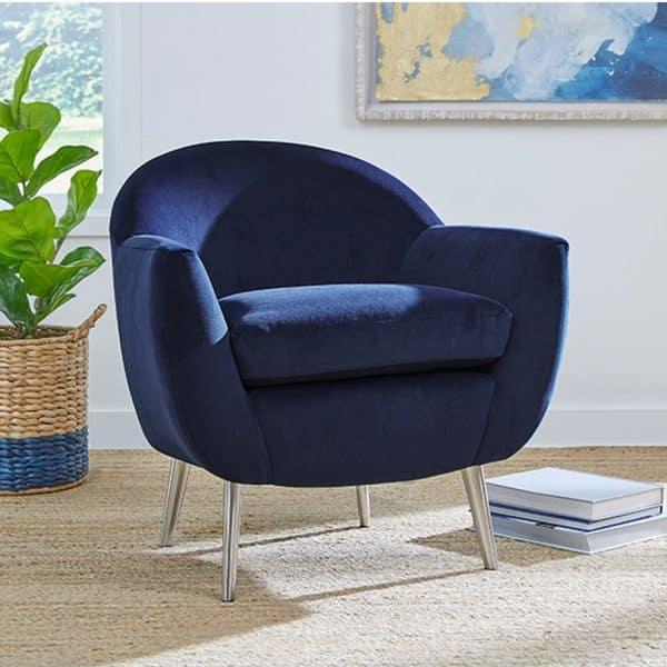 modern kissly tub chair with metal legs